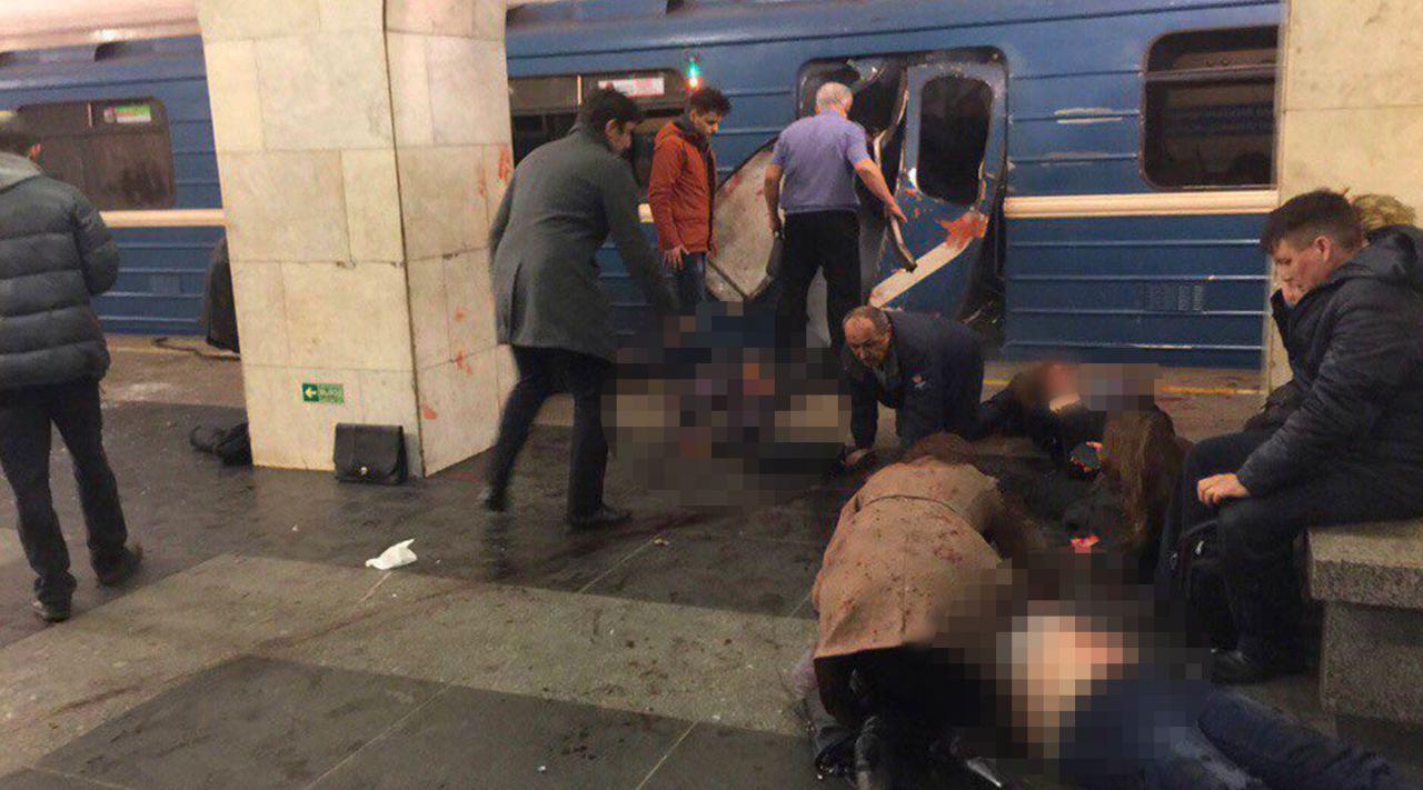 В северной столице погибли 10 человек впроцессе взрыва вметро
