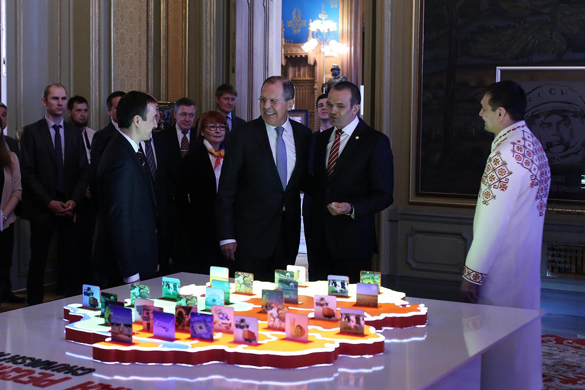 Игнатьев поехал в российскую столицу кормить Сергея Лаврова ииностранных дипломатов чувашской кухней