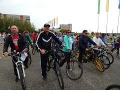 34.jpgВ Новочебоксарске прошел 12-й традиционный велопробег в честь дня рождения А.Г. Николаева велопробег