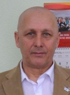 Старший тренер отделения конькобежного спорта СШОР-2 Александр НикандровСкорость, лед, победа конькобежный спорт