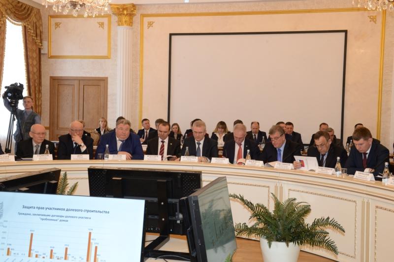 Валерий Радаев отправился вНижний Новгород обговаривать развитие жилищно-строительного рынка